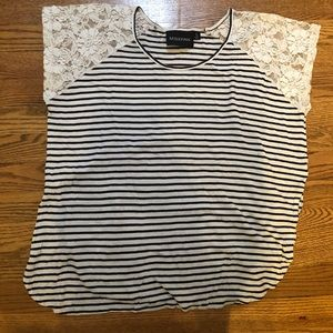 Minkpink t shirt with lace sleeves